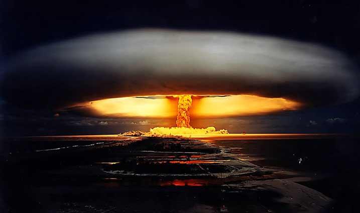 атомный-взрыв